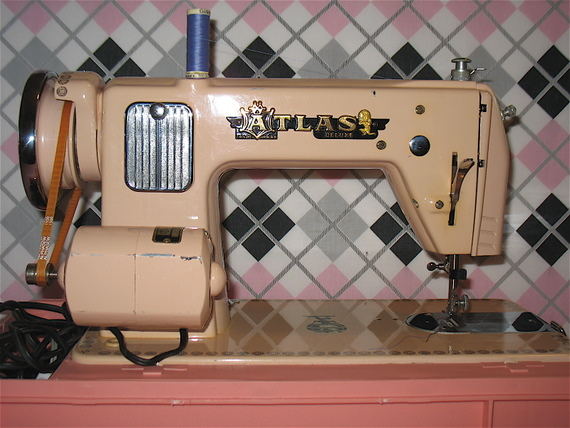 Pink Atlas Deluxe Straight Stitch Sewing Machine A Review Stitch Mesmerizing 1950 Brother Sewing Machine